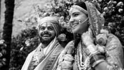 Anushka-Virat 2nd Wedding Anniversary: शादी की दूसरी सालगिरह पर फैंस ने अनुष्का शर्मा-विराट कोहली को इस अंदाज में दी ट्विटर पर बधाई