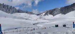 यूपी में यहां से मात्र चार घंटे के सफर और फिर बर्फ ही बर्फ, आप भी पहुंचकर लीजिए इसका मजा