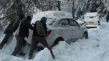 skies clear but normal life remains paralysed in snow-bound himachal