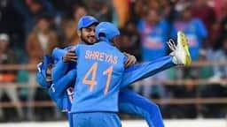 IND vs AUS 2nd ODI: मनीष पांडे ने एक हाथ से लपका वॉर्नर का कैच, देखकर उड़ जाएंगे होश- देखें video