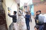 कोहिनूर रोड पर 30 घरों पर पकड़ी बिजली चोरी
