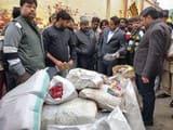 कासगंज में गोदाम पर छापामार नौ कुंतल पालीथिन जब्त