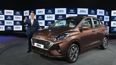 hyundai launches aura compact sedan