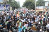 हाथ में झंडा, आंखों में गुस्सा, हिन्दू-मुस्लिम भाई-भाई का दिया संदेश