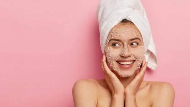 Skin Care Tips: बाइकिंग करती हैं तो इस तरह रखें अपनी त्वचा और बालों का ध्यान