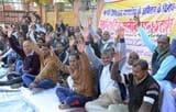 गल्ला मंडी में हड़ताल से किसान परेशान