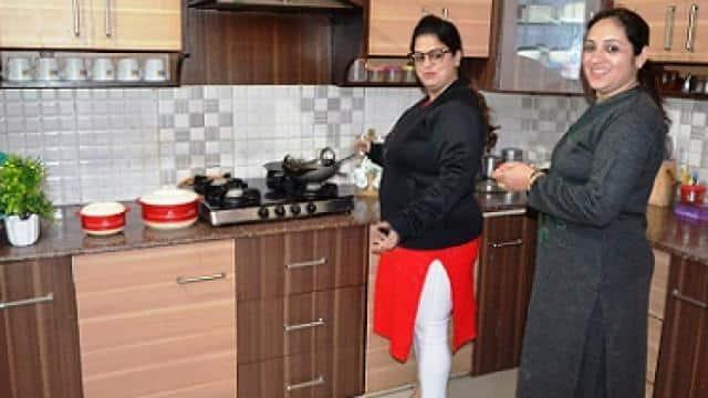 Budget 2020 : बरेली में महिलाएं बोलीं किचन को नहीं मिल पाई राहत