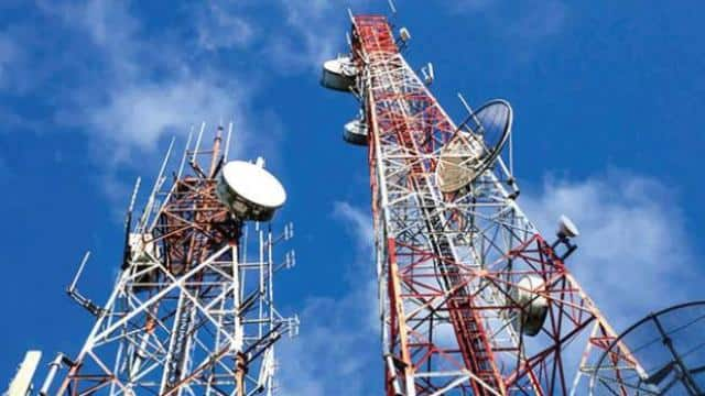 centre orders telecom firms pay rs 92000 crore by midnight