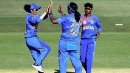 ICC Women's T20 World Cup Warm-up Match: आखिरी ओवर में पूनम यादव ने पलटा पासा, भारतीय महिला क्रिकेट टीम 2 रन से जीती