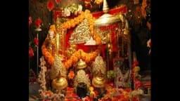 वैष्णो देवी मंदिर के पास तीर्थ यात्रियों के लिए 'प्रसाद सेवा'