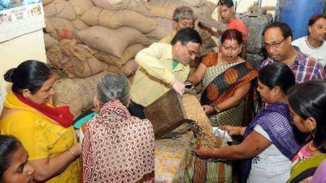 bpl ration in rajasthan  representative image