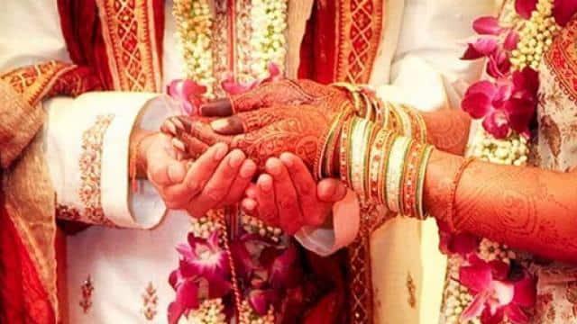 बारात लेकर पहुंचे दूल्हे को छोड़कर दुल्हन ने देवर से कर ली शादी, जानें पूरा मामला