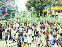 गांधी मैदान जाने के लिए पटना की सड़कों पर निकला जदयू समर्थकों का हुजूम। वहां पहुंचकर लोगों ने लगाए नीतीश के नारे।