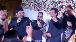 विवादों के बीच सालों बाद एक मंच पर साथ आये कपिल शर्मा-सुनील ग्रोवर, मीका सिंह संग शादी में जमकर की मस्ती