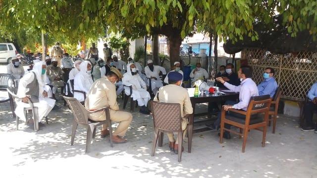 टाण्डा में मस्जिद रहीं सुनी दो लोगों ने ही पढ़ी नमाज