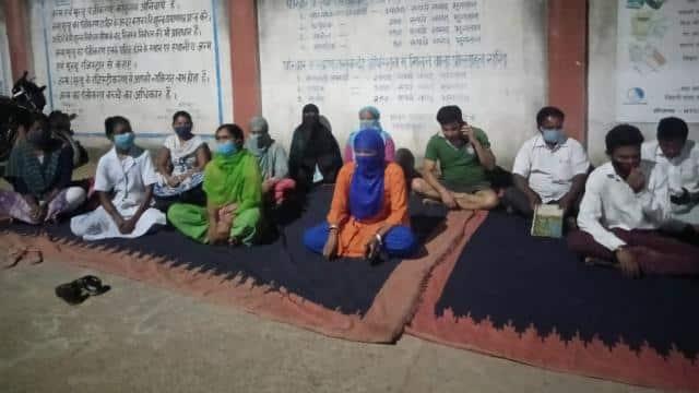 बीपी चेक कराने पहुंचे दो झामुमो नेता ने डॉक्टर से की मारपीट