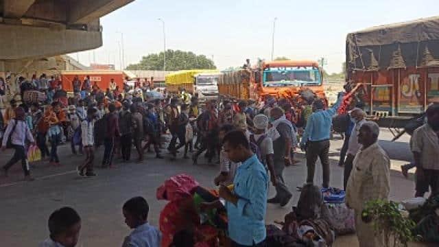 लॉकडाउन: UP में 170 से ज्यादा प्रवासी मजदूरों को ले जा रहे तीन कंटेनर जब्त