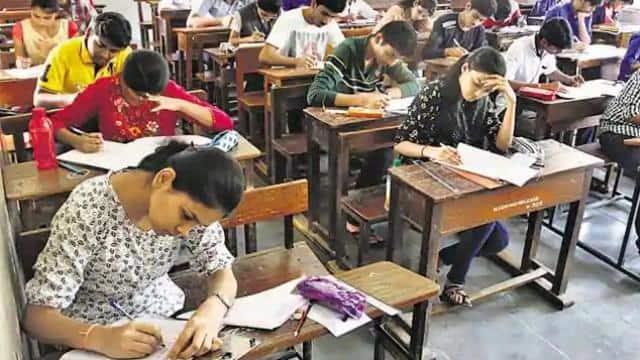 UP University Exam 2021 : यूपी में मार्क्स सुधारने के लिए दोबारा परीक्षा का मौका देंगे विश्वविद्यालय