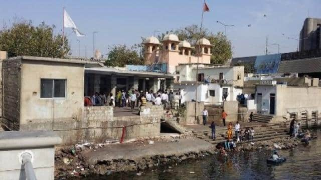 200 year old hindu temple at jetti bridge karachi port