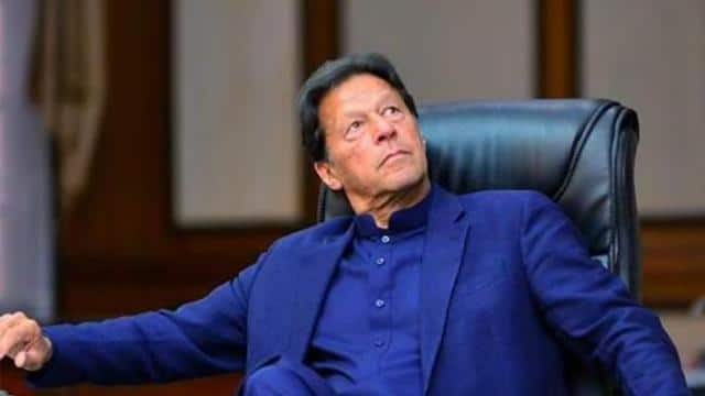 imran khan tweets a swipe at india hits mute on economy of pakistan