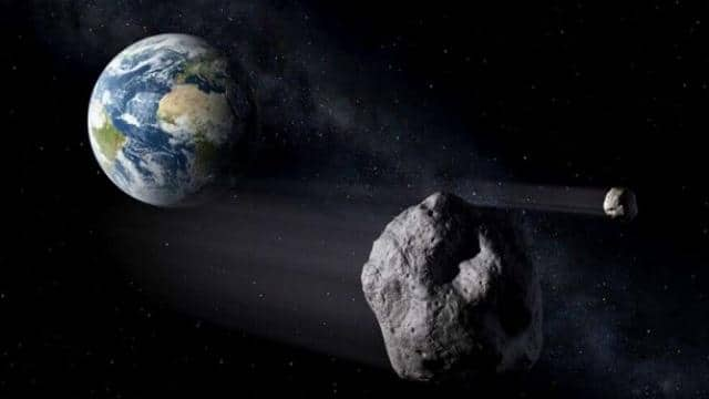 asteroid moving towards the earth