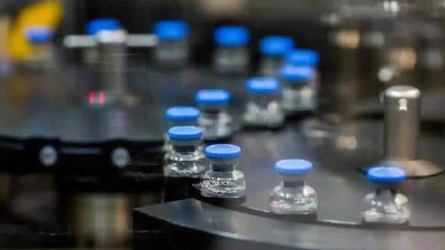 किल्लत के बाद सरकार ने रेमडेसिविर इंजेक्शन के प्रोडक्शन को बढ़ाने को दी मंजूरी, कीमत भी होगी कम