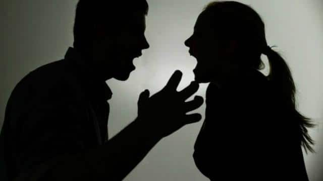 husband and wife fight