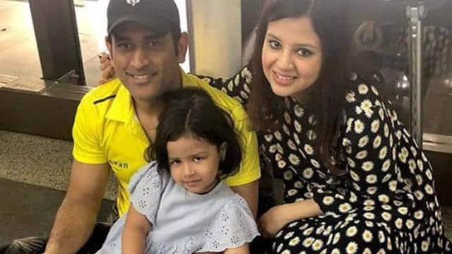 ms dhoni sakshi dhoni ziva photo-social media