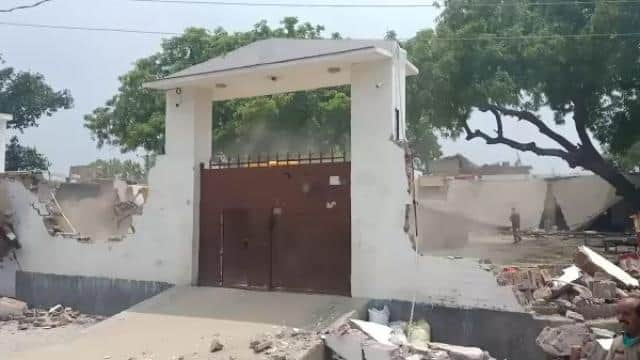 vikas dubey house destroyed