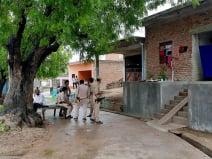 विकास दुबे के मारे जाने के बाद भी दहशत का असर, गांव में खौफ और सन्नाटा