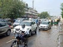 फरीदाबाद में तीसरे दिन हुई झमाझम बारिश, जलभराव ने बढ़ाई लोगों की मुसीबत