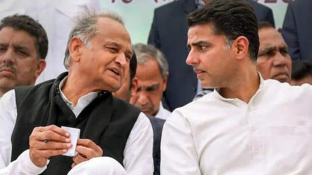 Rajasthan Crisis: राजस्थान के सियासी घमासान में क्या होगा आगे? फ्लोर टेस्ट पर कांग्रेस बंटी