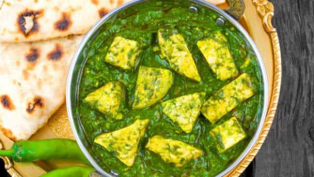Recipe : बारिश के मौसम में बनाएं अरबी के पत्तों की मसालेदार सब्जी