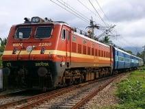 किसान आंदोलन के कारण रद्द हुईं 12 त्यौहार स्पेशल ट्रेनें