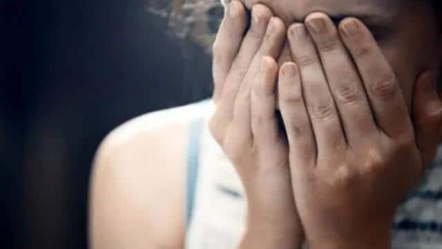 अश्लील तस्वीरों-वीडियो से पूर्व पत्नी को करता था ब्लैकमेल, सजा- 12 साल कैद, 30 लाख रुपए जुर्माना
