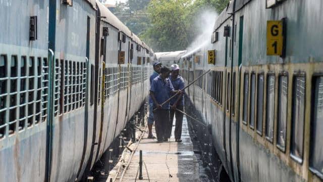 railways run puja special train for people of bihar and up see full schedule gorakhpur-jammuutvi man