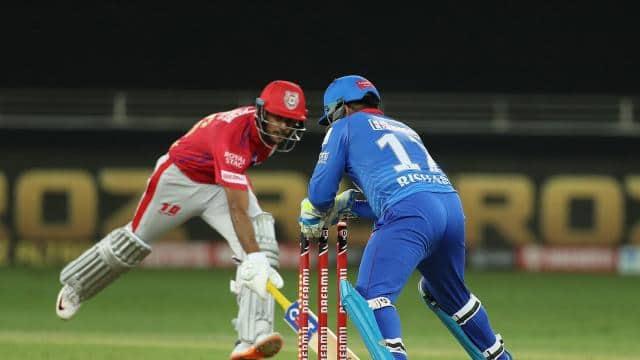 IPL 2020 DC vs KXIP: निकोलस पूरन की गलती से रनआउट हुए मयंक अग्रवाल, पवेलियन जाते वक्त दिया कुछ ऐसा रिएक्शन- देखें VIDEO