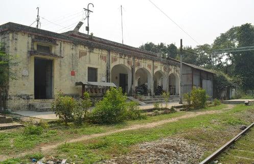 अम्बेडकरनगर में बंद हुई यात्री ट्रेन तो थम गया टांडा शहर का विकास