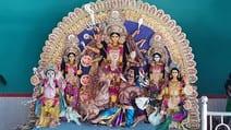 मां दुर्गा के पूजन व दर्शन को पहुंचे भक्त