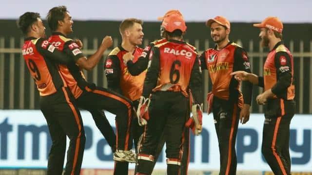 IPL 2021: क्या इस बार प्लेऑफ से आगे बढ़ पाएगी सनराइजर्स हैदराबाद, पहले मैच में ऐसी हो सकती है प्लेइंग XI
