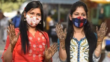 karva chauth 2020  womens gets her hands decorated with mehndi on the eve of the karva chauth