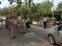 गाजियाबाद में भाजपा कार्यकर्ता ने बदमाशों से पिस्टल और बाइक छीनी