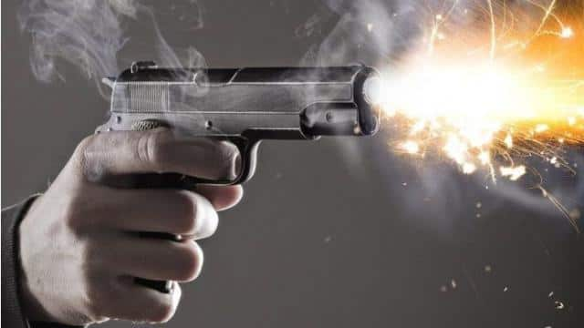 sudden bullets fired during durga puja which killed one and injured two  minor girls four teams will investigate matter - दुर्गा पूजा में अचानक चली  गोलियां, एक की मौत, दो किशोरियां घायल,