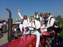 राकेश टिकैत की अगुवाई में दिल्ली के लिए रवाना हुुुआ किसानों का काफिला