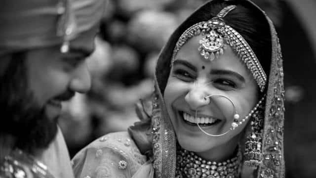मैरिज एनिवर्सरी पर विराट कोहली ने शेयर की शादी की खूबसूरत तस्वीर, लिखा- तीन साल और जीवन भर का एक साथ