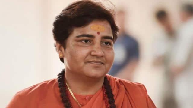 बघेल ने की नक्सलियों से तुलना तो भड़क गईं प्रज्ञा ठाकुर, बोलीं- देश और हिंदू RSS की वजह से सुरक्षित