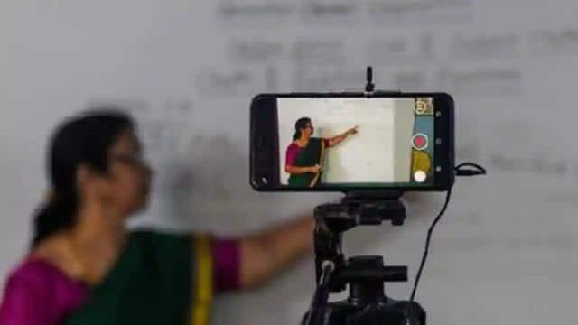 मोबाइल-लैपटॉप से हर क्लास का लाइव प्रसारण,पेरेंट्स की अनुमति से ही 02 को स्कूल जाएंगे छात्र