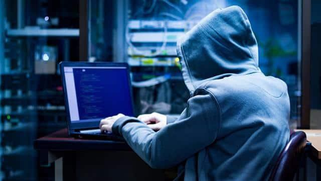 सावधान! हैकर्स का नया हथियार बना Microsoft का यह लेटर, दे रहे हैं 3.3 करोड़ रुपये के इनाम का लालच