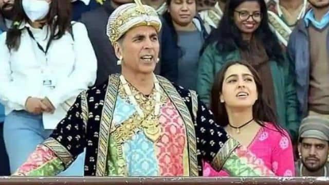 जब सारा अली खान को अक्षय कुमार ने दी सीख, इससे घटिया तुकबंदी नहीं हो सकती