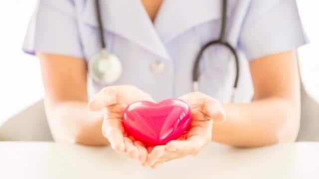 आपके दिल को मजबूत बनाती हैं ये 6 स्वस्थ आदतें